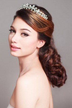 Wedding Hairstyles For Brides in Buckinghamshire